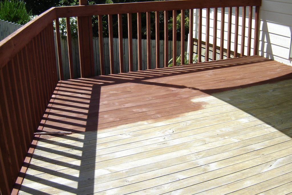 Deck Staining Chicago (What You Should Know)